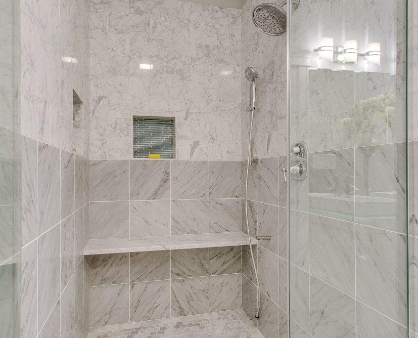 Naperville Bathroom Remomdel